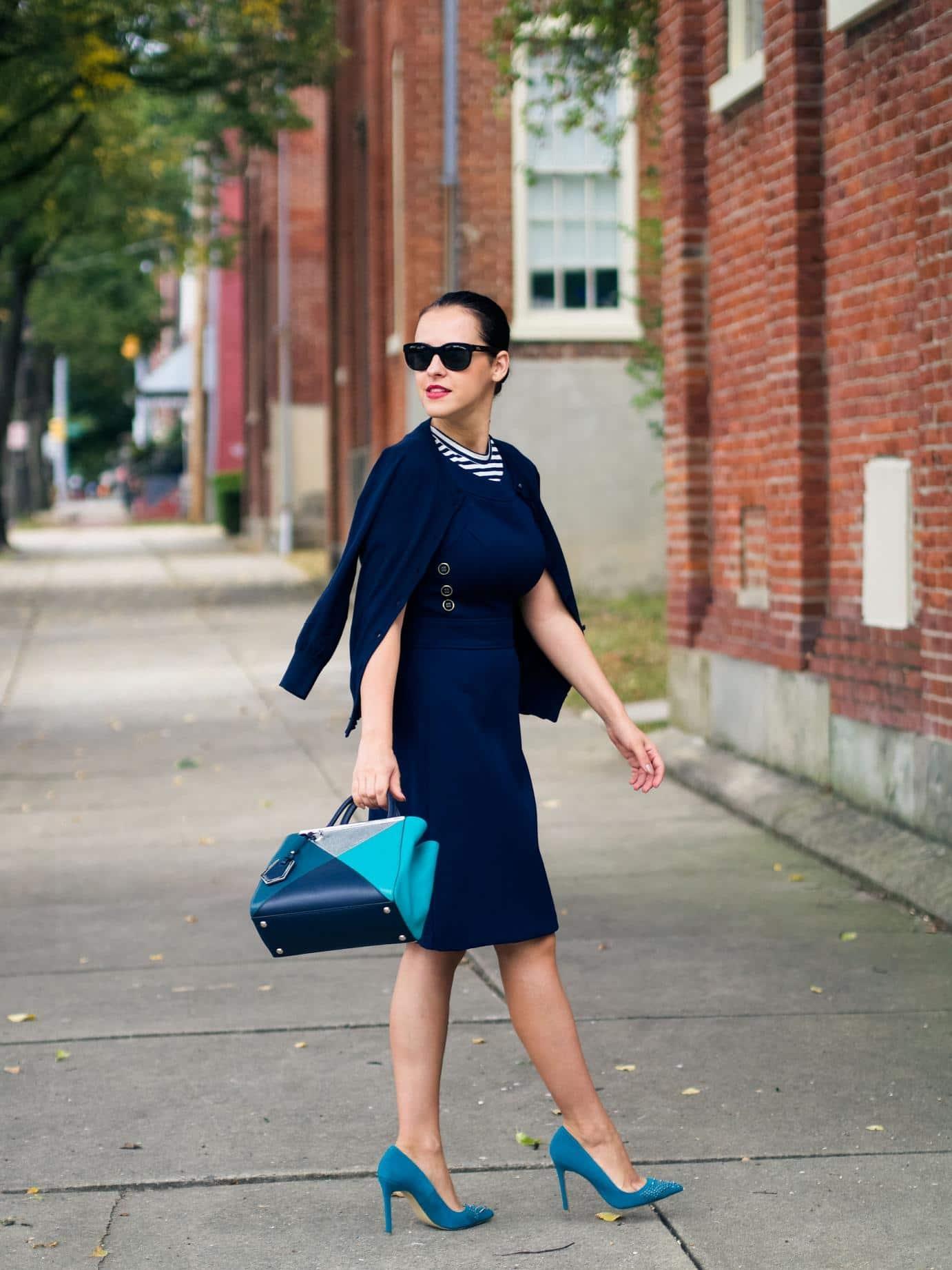 Под синее платья какие туфли