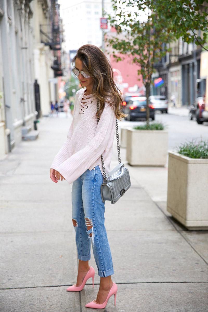 с чем носить розовые туфли летом
