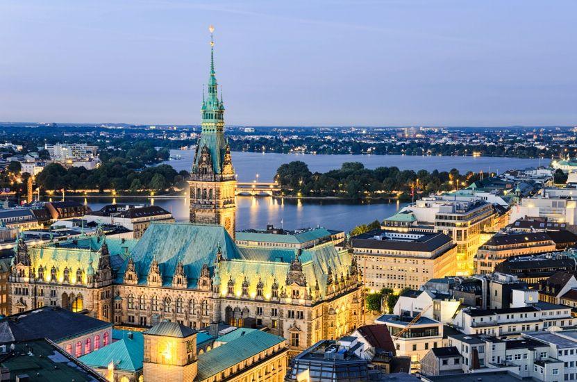 Не забудьте посетить Гамбург