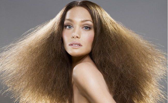 прически для сухих и пушистых волос