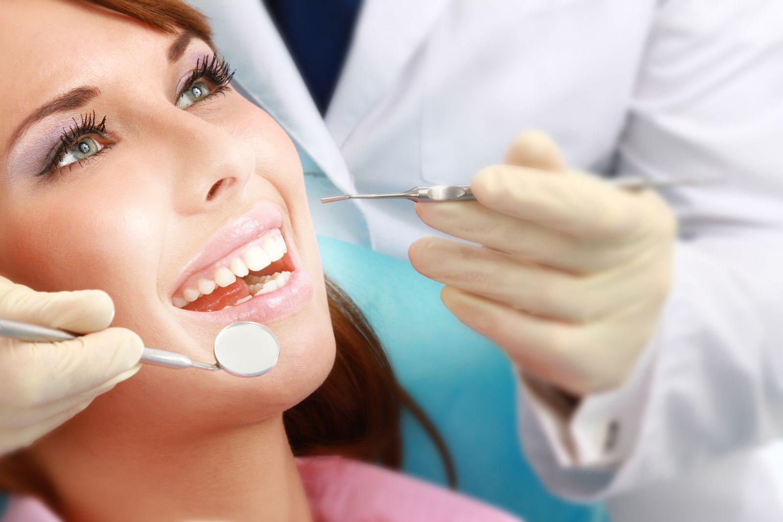 лечить зубы в Иркутске