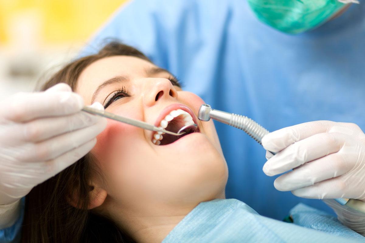 Лечение зубов. Все об отбеливании и пломбировании зубов