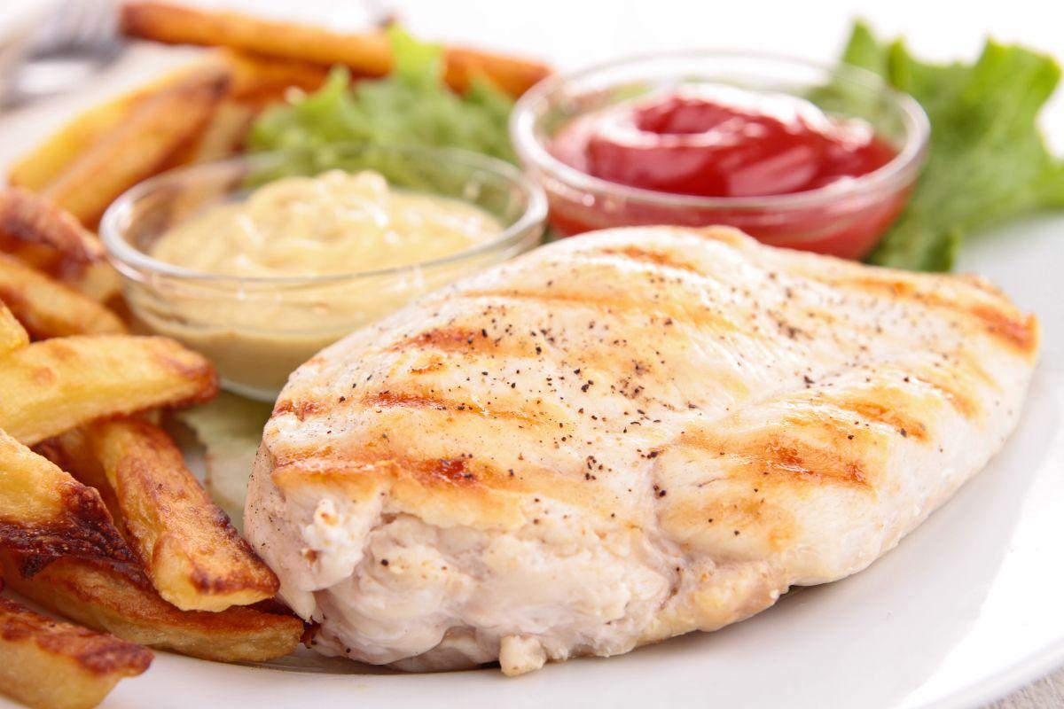 5 простых приемов приготовления куриной грудки