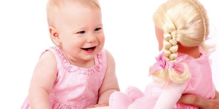 Выбираем куклу для девочки по возрасту: основные правила