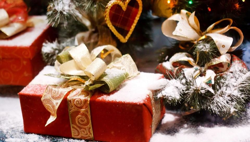 Как выбрать интересные подарки на Новый год для самых близких