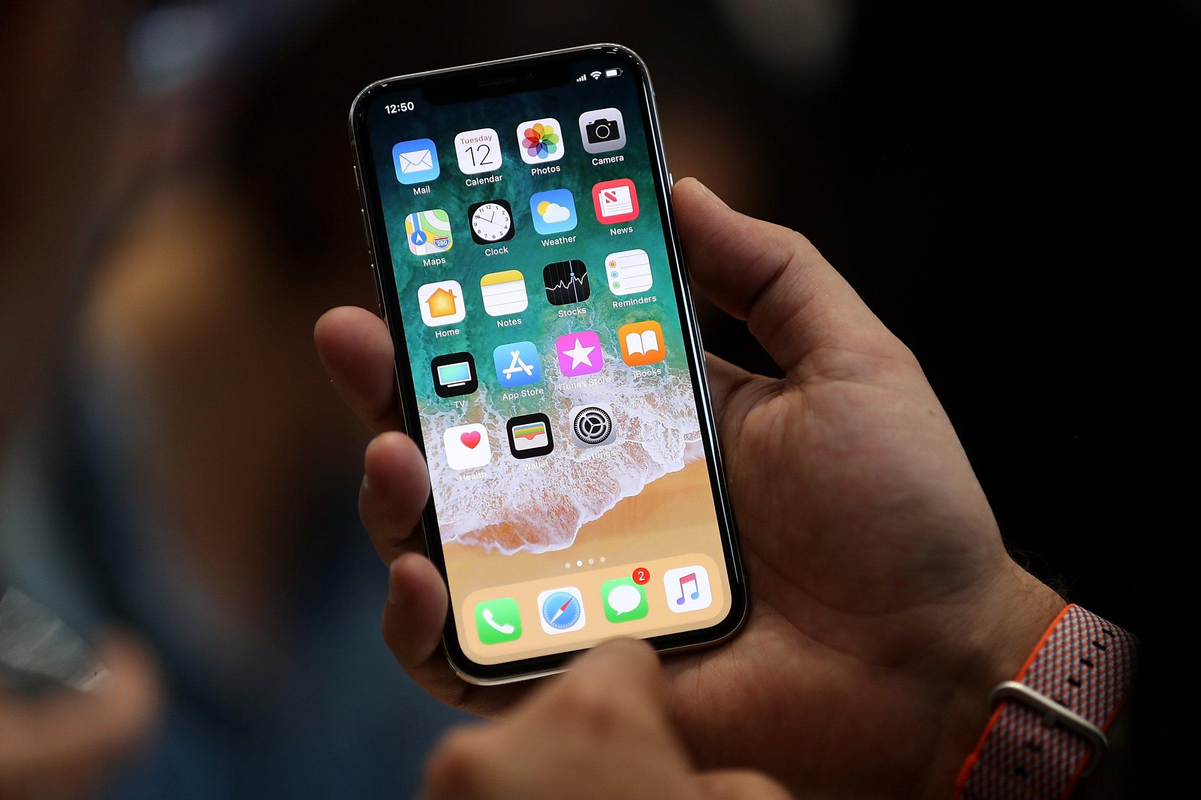 Почему iPhone впереди планеты всей