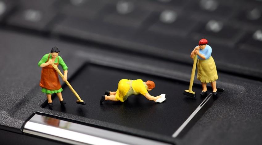 Как часто надо делать чистку ноутбука, чтоб избежать поломки