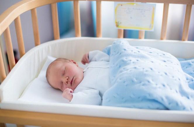 Покупка детской кроватки: как выбрать правильно