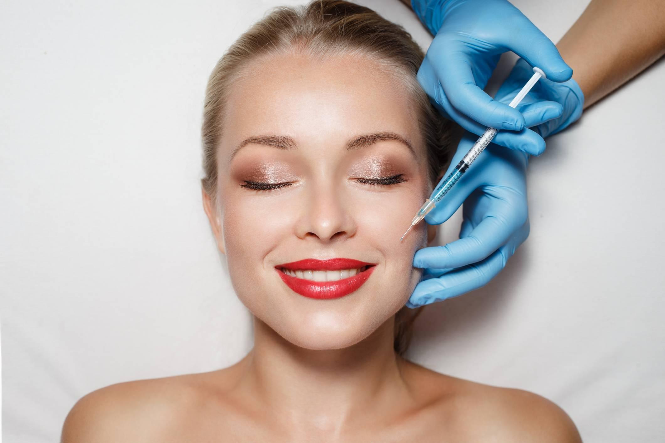 Почему так популярны процедуры с гиалуроновой кислотой?