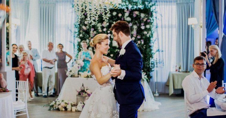 Как лучше рассадить гостей на вашем свадебном банкете