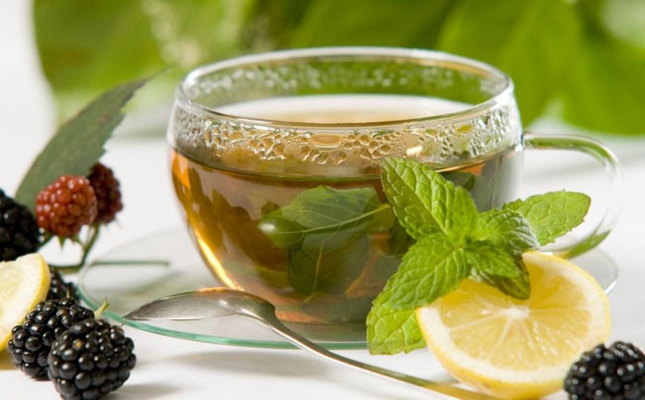 Какие травяные чаи полезны и в чем их секрет?