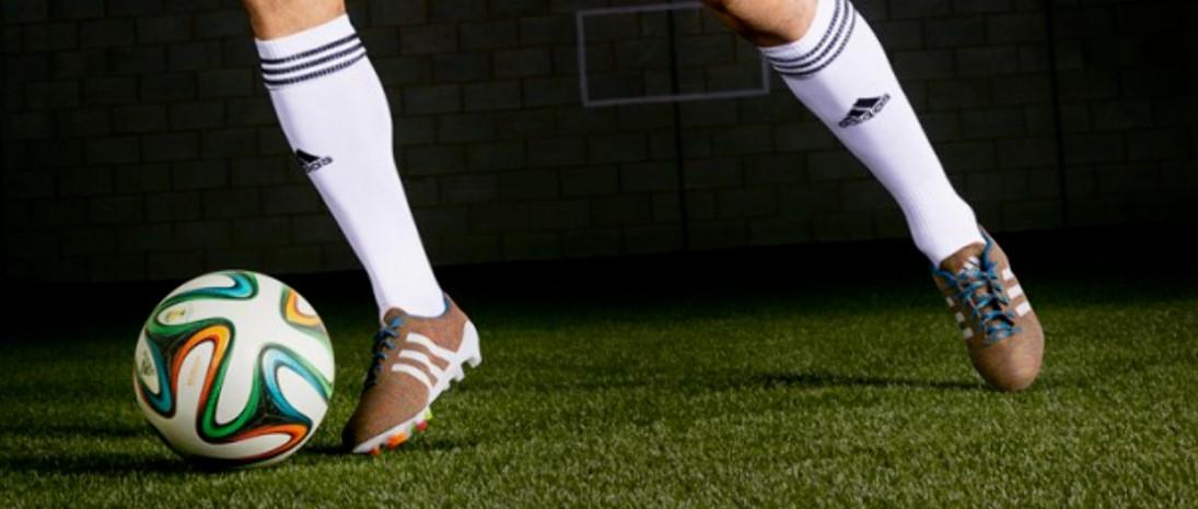 Тонкости ухода за бутсами: обзор спортсмена
