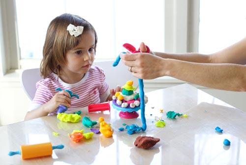 Игрушки позволяют ребенку проявлять свои творческие способности