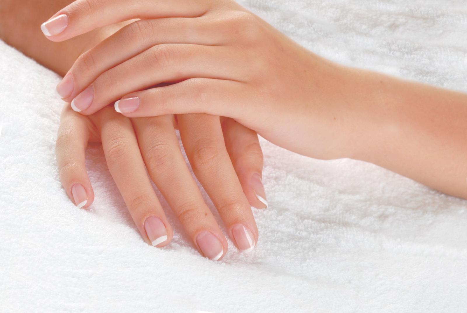 Справляемся с расслоением ногтей
