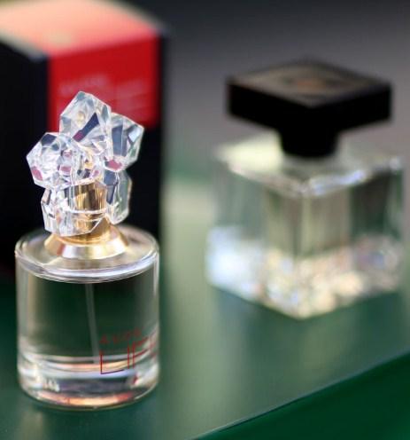 Женские парфюмы: для каждой дамы есть уникальный аромат