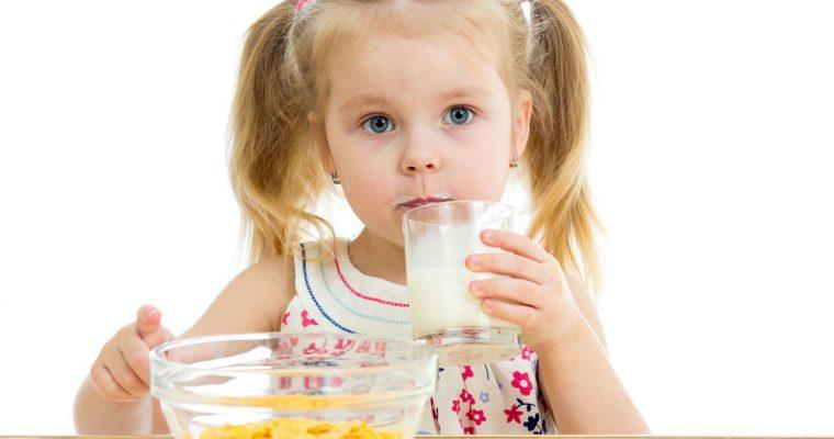 Справляемся с детским запором при помощи диеты