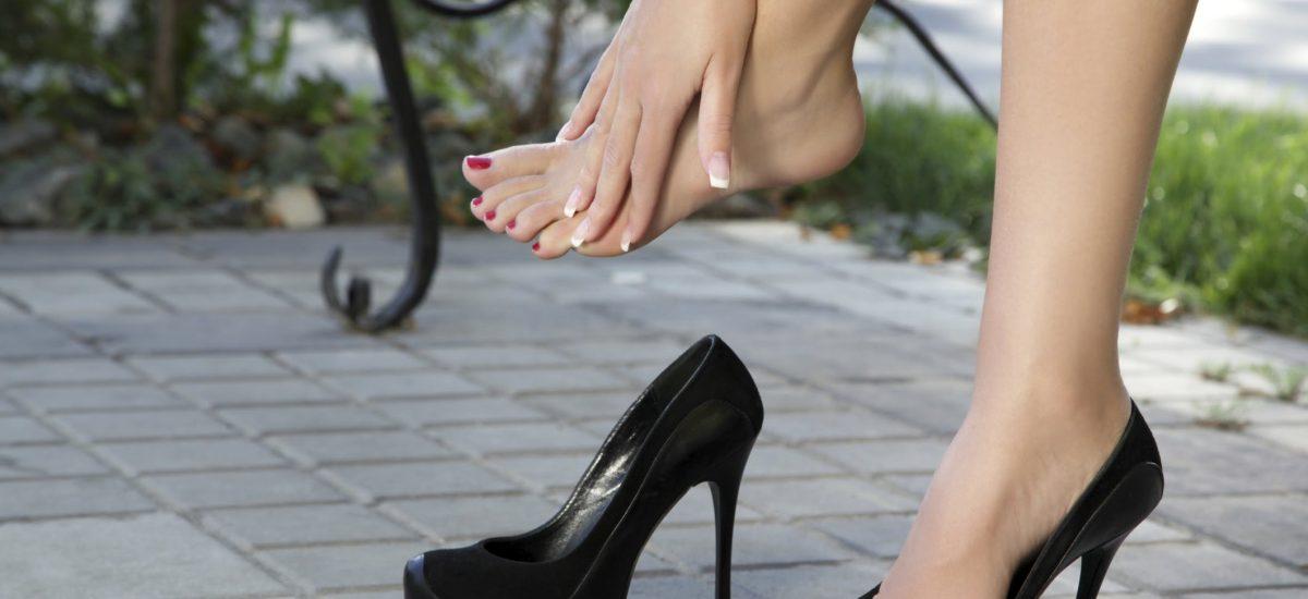 Как научиться правильно и красиво ходить на каблуках?