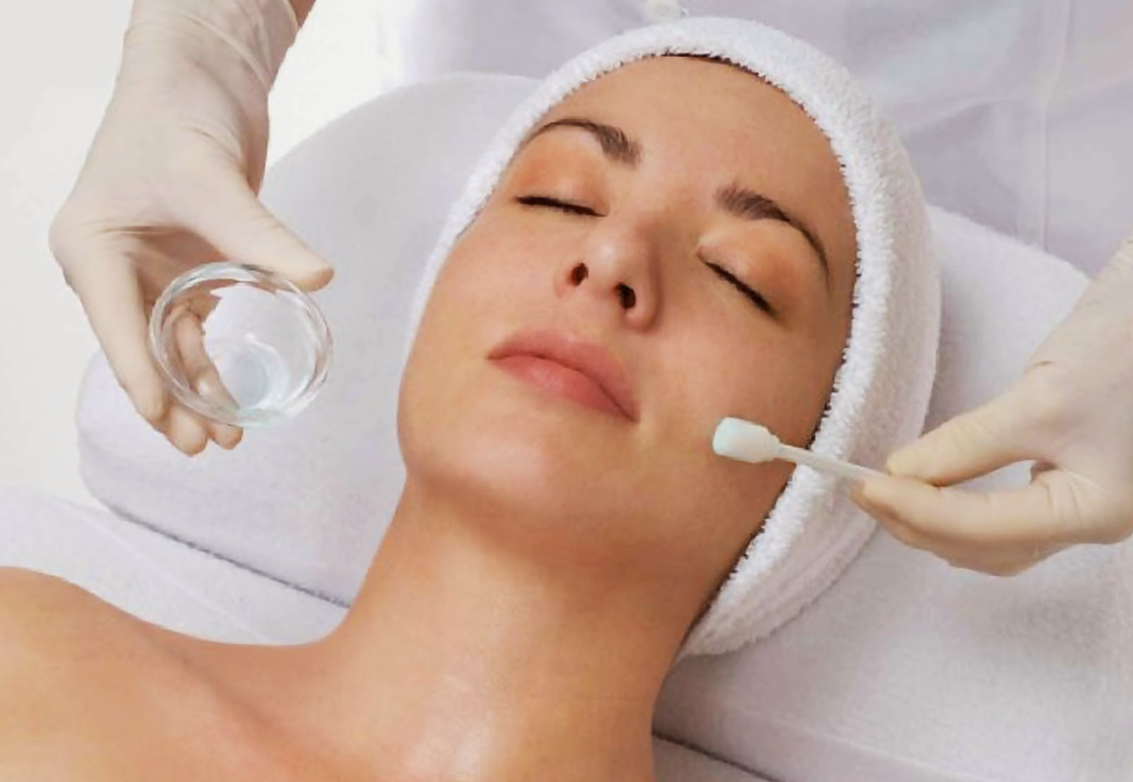 Очищение кожи с помощью пилинга