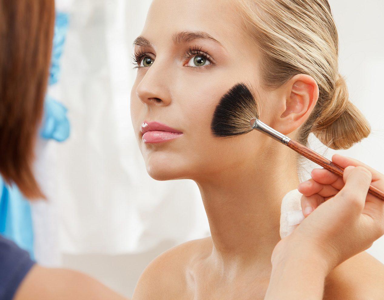 Как скрыть недостатки кожи? Секреты визажистов