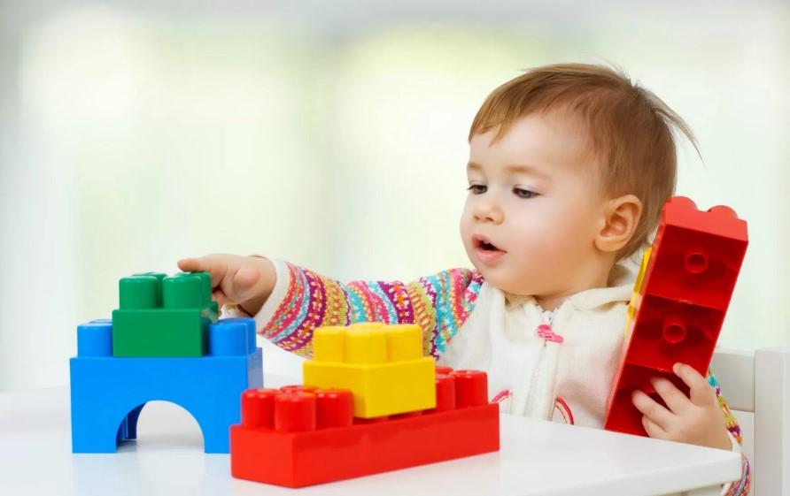 Какие игрушки развивают детей от 3 до 12 лет