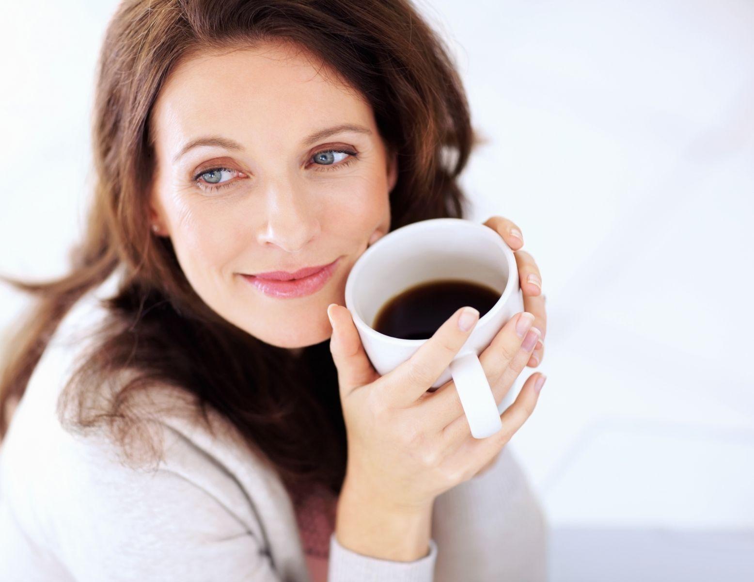 Больше кофе – меньше грудь