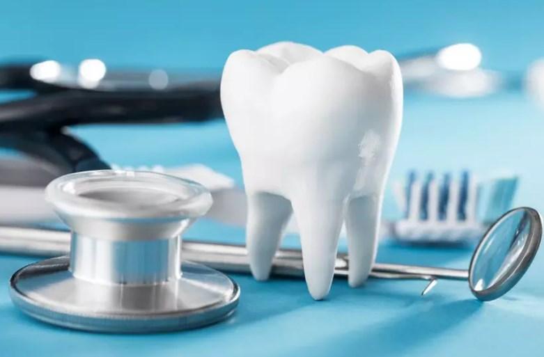 Нужно ли удалять зубы мудрости и когда это лучше сделать