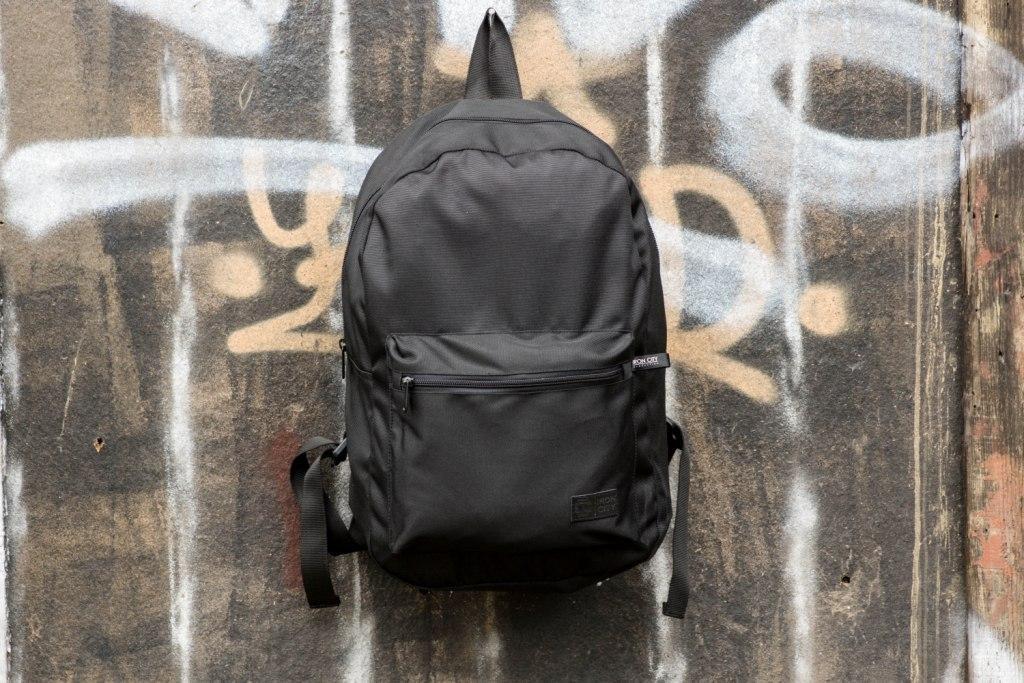 Сумка или чемодан для путешествий