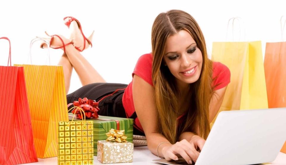 Приобретение женской одежды в интернет-магазине