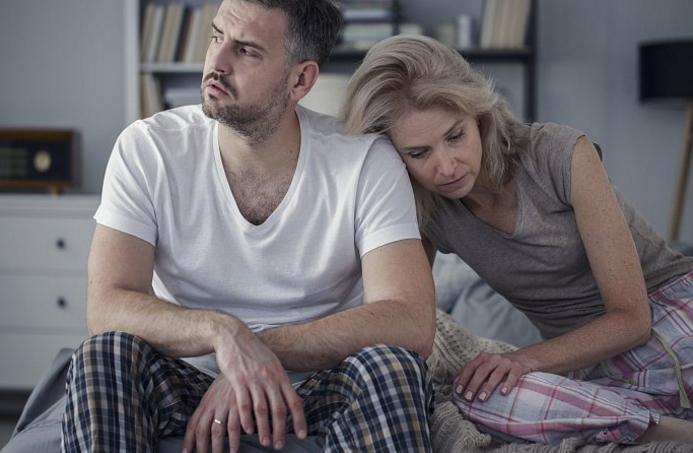 5 причин, почему мужчина изменяет и не уходит: советы психолога