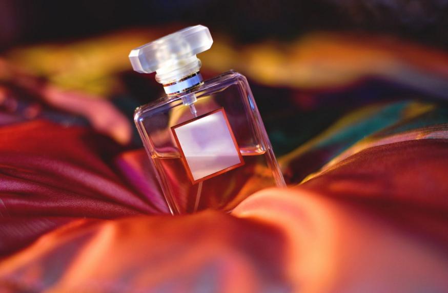 Как выбрать парфюмерию? Описание и виды духов