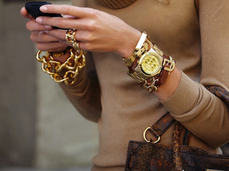 Модное запястье: браслеты и часы для модниц