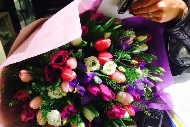 Флористические салоны, дизайн и подготовка цветочных композиций для праздничных мероприятий