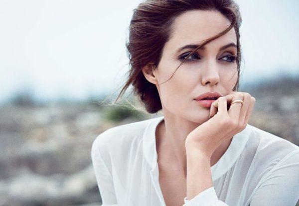 Анджелина Джоли стала блондинкой для новой роли