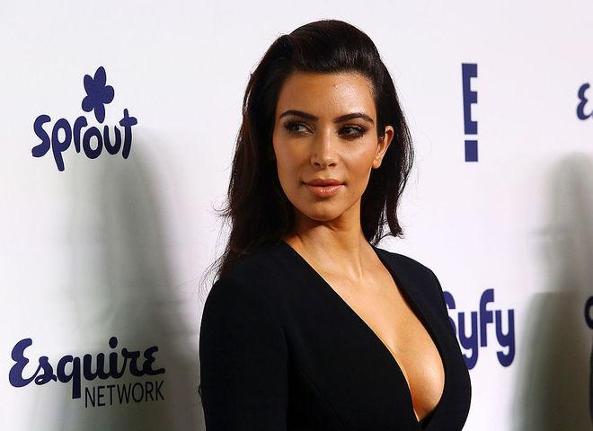 Почему Ким Кардашьян врачи запретили делать селфи?