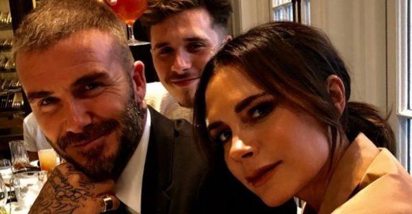 Бекхэмы посетили показ бренда Victoria Beckham и поделились семейными фото