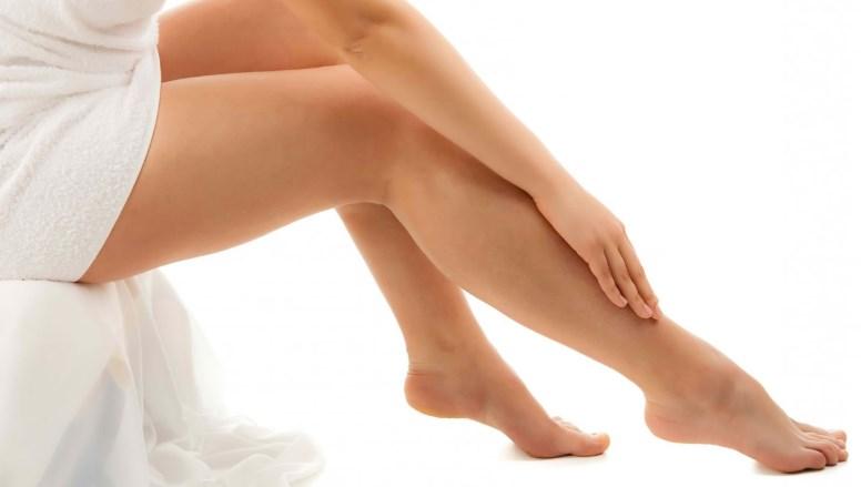 Причины и лечение судорог в ногах — первая помощь, народные средства