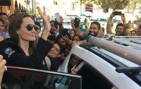 Анджелина Джоли посетила Перу