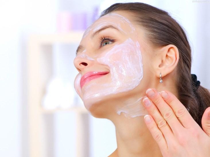 Как правильно ухаживать за кожей лица после 40 лет, чтобы выглядеть моложе