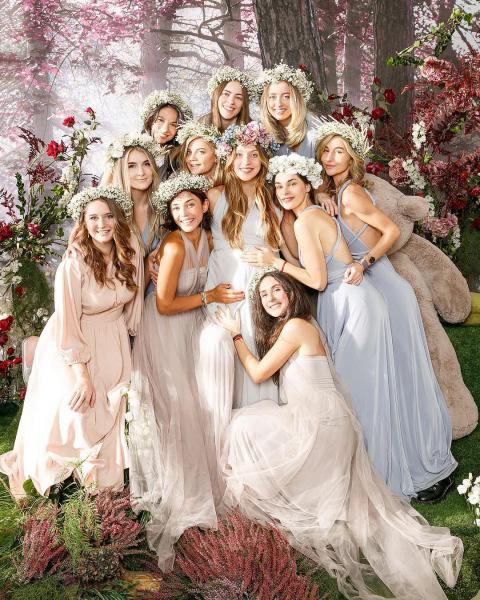 Красота и нежность — Регина Тодоренко устроила фотосессию с подругами