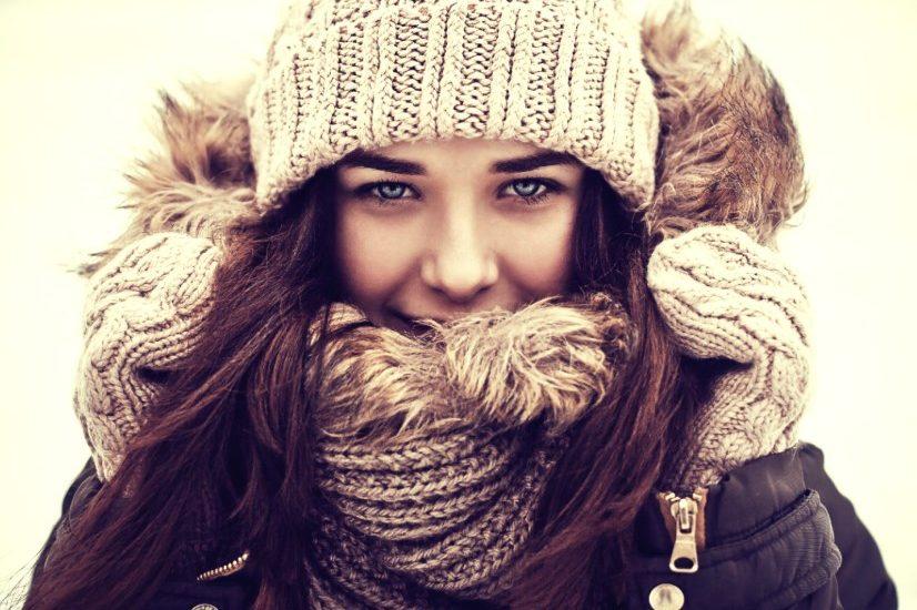 «Оп! И красотка»: как не испортить прическу шапкой