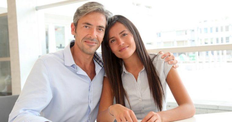 Психология отношений с мужчиной, который старше вас