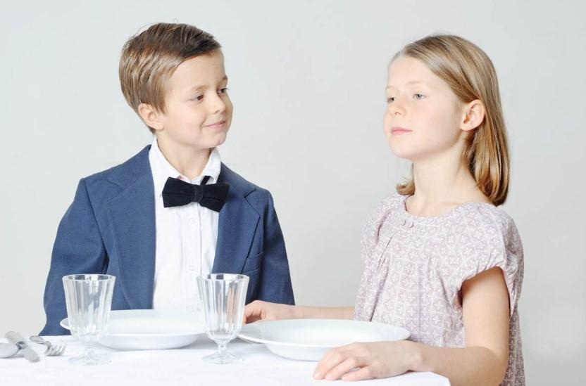 Обучаем ребенка этикету поведения в общественных местах
