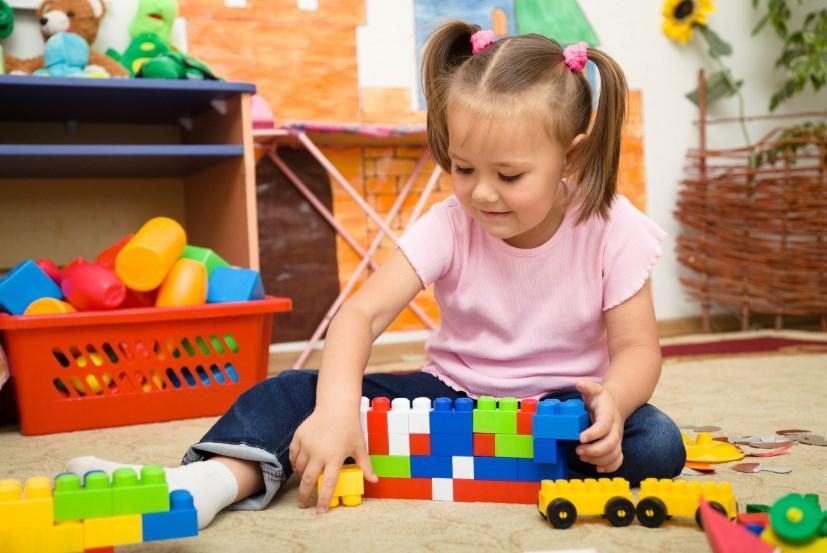 У ребенка много игрушек, как убрать хаос в детской