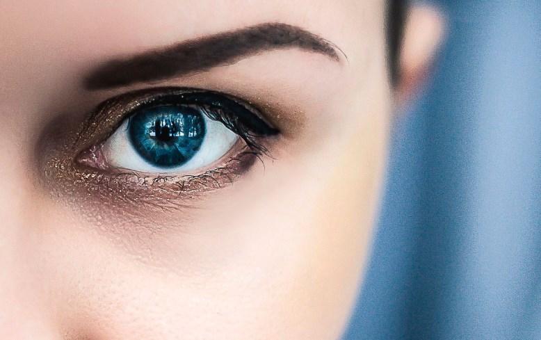 Как навсегда забыть о темных кругах вокруг глаз?