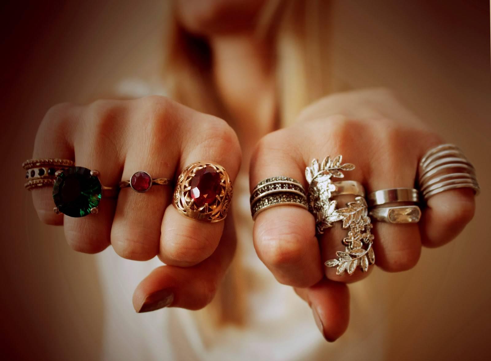 Как модно носить кольца