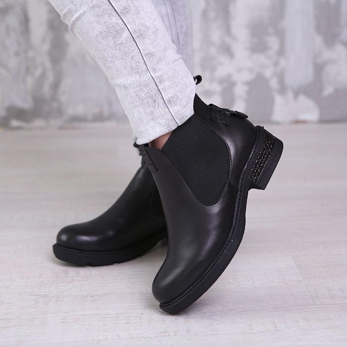 Женские сапоги и ботинки с принтом животных — как носить?