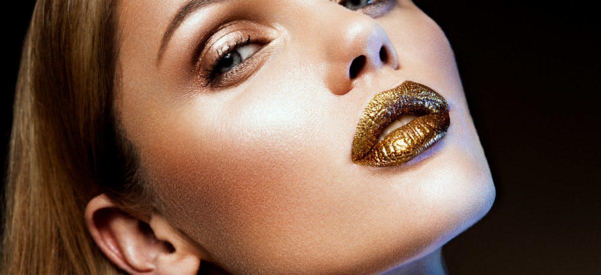 Как создать уникальный образ для вечеринки с помощью вечернего макияжа?