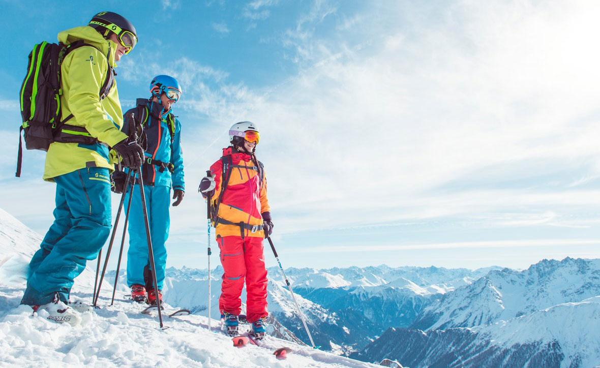 Какой лыжный костюм подойдет для катания на лыжах мужчинам?