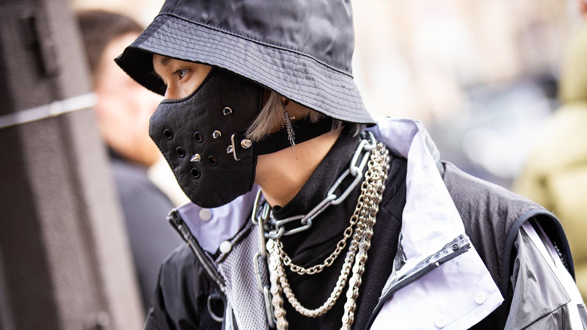 Дизайнерские маски: как носить
