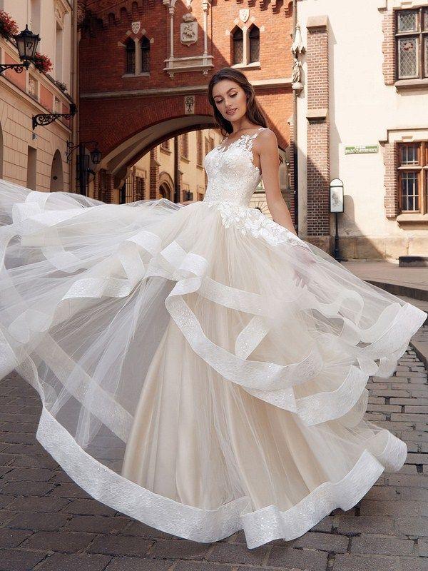 Модные свадебные платья цвета айвори оптом для свадебных салонов